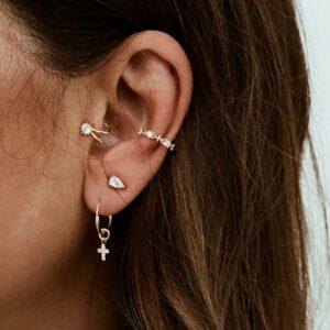 pendientes cruz y ear cuff circonitas plata chapada neskapolita
