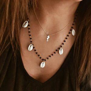collar conchas piedras