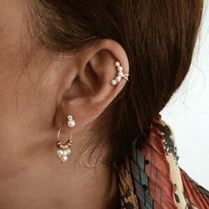 pendientes y earcuff perlas
