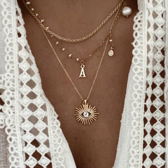 collares iniciales letras perlas